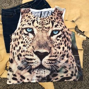 Leopard print distressed sleeveless Tee
